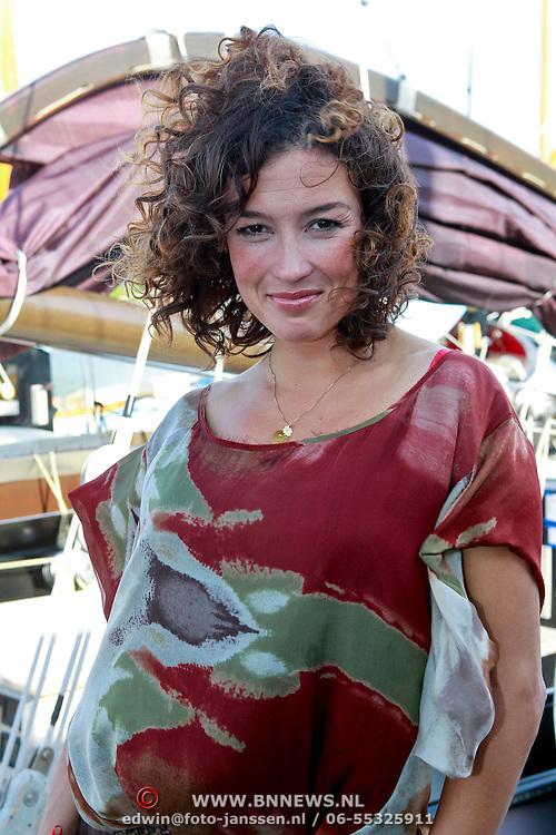 NLD/Muiden/20110523 - Uitreiking CosmoQueenaward 2011 aan Katja Romer - Schuurman
