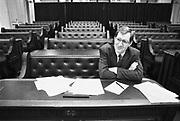 Nederland, Den Haag, 16-10-1988De plenaire vergaderzaal van de oude tweede, 2e kamer. Jan Franssen, VVD woordvoerder van van onderwijs tijdens de behandeling van de begroting.Foto: Flip Franssen/Hollandse Hoogte