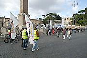 2013/05/23 Roma, il Movimento 5 Stelle chiude la campagna elettorale per le comunali. Nella foto alcuni militanti in piazza del Popolo..Rome, M5S (five stars movement) closes his electoral campaign for mayor. In the picture some militants in Piazza del Popolo Square - © PIERPAOLO SCAVUZZO