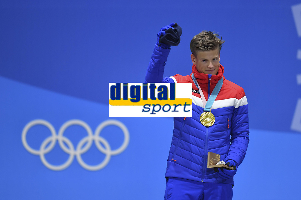 Johannes Hoesflot KLÆBO NOR 1 square gold medalist gold gold medal Olympic cheers cheers joy enthusiasm emotion cheer cheers cross country skiing men s Sprint classic ski cross country classic winners victory ceremony PyeongChang Olympic medals Plaza 14 02 2018 Winter Olympics 2018 from 09 02 25 02 2018 in PyeongChang Korea Â