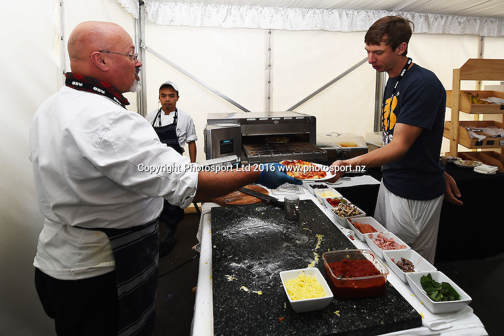Chef making pizza at the player restaurant during Day 5 Semi Finals of the 2016 ASB Classic Mens. ASB Tennis Centre, Auckland, New Zealand. Friday 15 January 2016. Copyright Photo: Chris Symes / www.photosport.nz