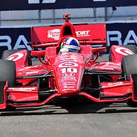 Dario Franchitti competing in Indycar 2012