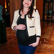 NLD/Amsterdam/20130325 - High Fashion Tea Jos Raak 2013, zwangere Kim Lian van der Meij