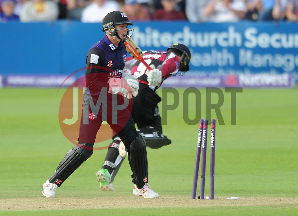 Geraint Jones of Gloucestershire attempts to run out Johann Myburgh of Somerset - Photo mandatory by-line: Dougie Allward/JMP - Mobile: 07966 386802 - 19/06/2015 - SPORT - Cricket - Bristol - County Ground - Gloucestershire v Somerset - Natwest T20 Blast