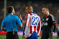 17.03.2015, Estadio Vicente Calderon, Madrid, ESP, UEFA CL, Atletico Madrid vs Bayer Leverkusen, Achtelfinal, R&uuml;ckspiel, im Bild Atletico de Madrid&acute;s Joao Miranda (L) argues with the referee // during the UEFA Champions League Round of 16, 2nd Leg match between Atletico de Madrid and Bayer Leverkusen at the Estadio Vicente Calderon in Madrid, Spain on 2015/03/17. EXPA Pictures &copy; 2015, PhotoCredit: EXPA/ Alterphotos/ Victor Blanco<br /> <br /> *****ATTENTION - OUT of ESP, SUI*****