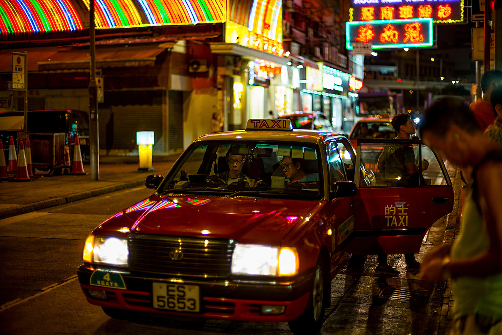 Hong Kong | 03.05.2017: Hong Kong <br /> <br /> hier: Taxi<br />  <br /> Sascha Rheker<br /> 20170503<br /> <br /> [Inhaltsveraendernde Manipulation des Fotos nur nach ausdruecklicher Genehmigung des Fotografen. Vereinbarungen ueber Abtretung von Persoenlichkeitsrechten/Model Release der abgebildeten Person/Personen liegt/liegen nicht vor.]