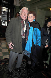 BARRY CRYER and MARJORIE WALLACE at the 2009 Oldie of The Year Award lunch held at Simpson's in The Strand, London on 24th February 2009.