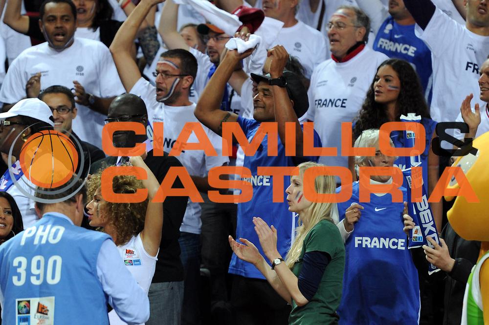 DESCRIZIONE : Kaunas Lithuania Lituania Eurobasket Men 2011 Quarter Final Round Francia Grecia France Greece<br /> GIOCATORE : Joakim Noah padre<br /> CATEGORIA : esultanza<br /> SQUADRA : Francia France<br /> EVENTO : Eurobasket Men 2011<br /> GARA : Francia Grecia France Greece<br /> DATA : 15/09/2011<br /> SPORT : Pallacanestro <br /> AUTORE : Agenzia Ciamillo-Castoria/GiulioCiamillo<br /> Galleria : Eurobasket Men 2011<br /> Fotonotizia : Kaunas Lithuania Lituania Eurobasket Men 2011 Quarter Final Round Francia Grecia France Greece<br /> Predefinita :
