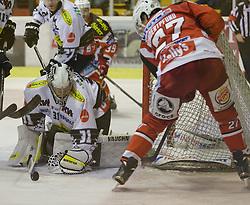 02.10.2014, Stadthalle, Klagenfurt, AUT, EBEL, EC KAC vs Dornbirner Eishockey Club, 7. Runde, im Bild David Madlaner (Dornbirner Eishockey Club, #31), Garnet Exelby (Dornbirner Eishockey Club, #27), Jean-Francoir Jacques (EC KAC, #39), Thomas Hundertpfund (EC KAC, #27) // during the Erste Bank Icehockey League 7th round match betweeen EC KAC and Dornbirner Eishockey Club at the City Hall in Klagenfurt, Austria on 2014/10/02. EXPA Pictures © 2014, PhotoCredit: EXPA/ Gert Steinthaler