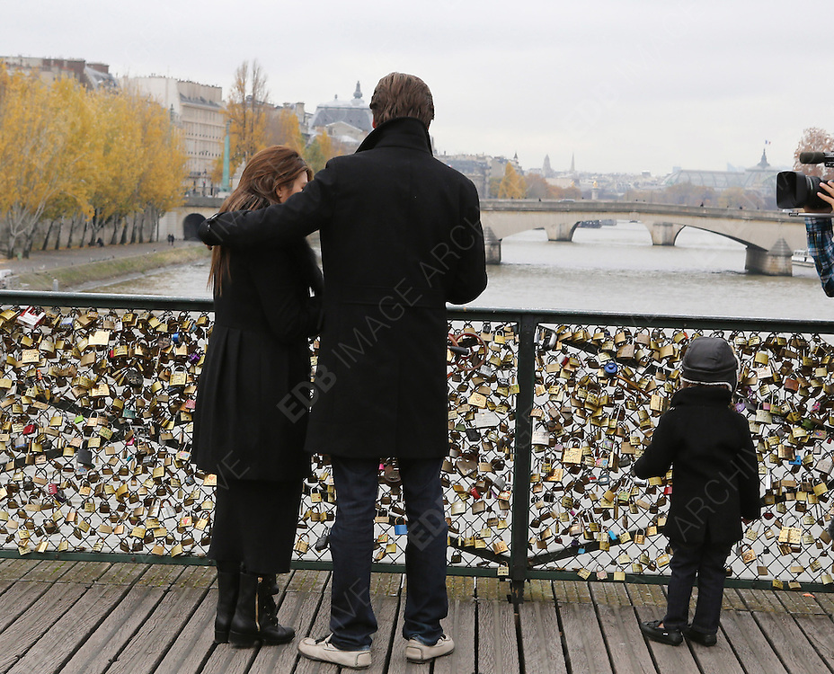 12.NOVEMBER.2012. PARIS<br /> <br /> KOURTNEY KARDASHIAN WITH HER HUSBAND SCOTT DISICK AND SON MASON ARE SPOTTED FILMING THEIR REALITY SHOW, THEY VISITED THE 'PONT DES ARTS', WENT FOR LUNCH AT 'L'AVENUE' RESTAURANT AND SHOPPING ON THE FRANCOIS 1st STREET IN PARIS.<br /> <br /> BYLINE: EDBIMAGEARCHIVE.CO.UK<br /> <br /> *THIS IMAGE IS STRICTLY FOR UK NEWSPAPERS AND MAGAZINES ONLY*<br /> *FOR WORLD WIDE SALES AND WEB USE PLEASE CONTACT EDBIMAGEARCHIVE - 0208 954 5968*