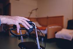 THEMENBILD - die faltige Hand eines über 90-jährigen Mann ruht auf dem Griff seines Rollator. Im Hintergrund ist das Alters gerechte Pflegebett erkennbar, aufgenommen am 12. Februar 2020 in Kaprun, Oesterreich // the wrinkled hand of an over 90-year-old man rests on the handle of his walker. In the background, the age-appropriate nursing bed is visible, in Kaprun, Austria on 2020/02/12. EXPA Pictures © 2020, PhotoCredit: EXPA/Stefanie Oberhauser