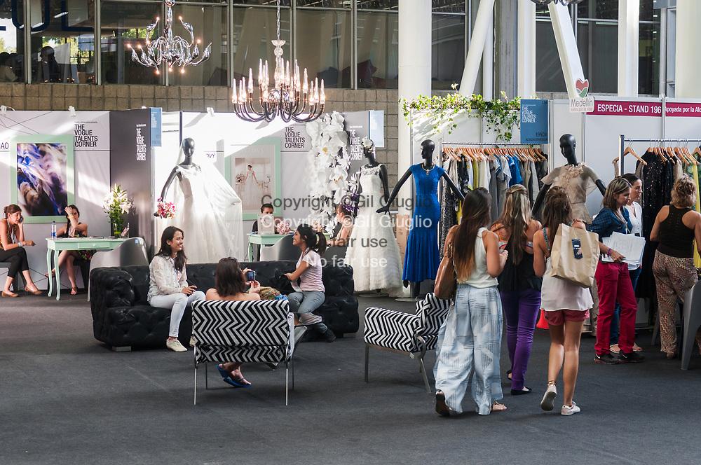 Colombie, Antioquia, Medellin, centre ville, salon de la mode Colombiamoda // Colombia, Antioquia, Medellin, downrtown, Colombiamoda exibition,  fashion week