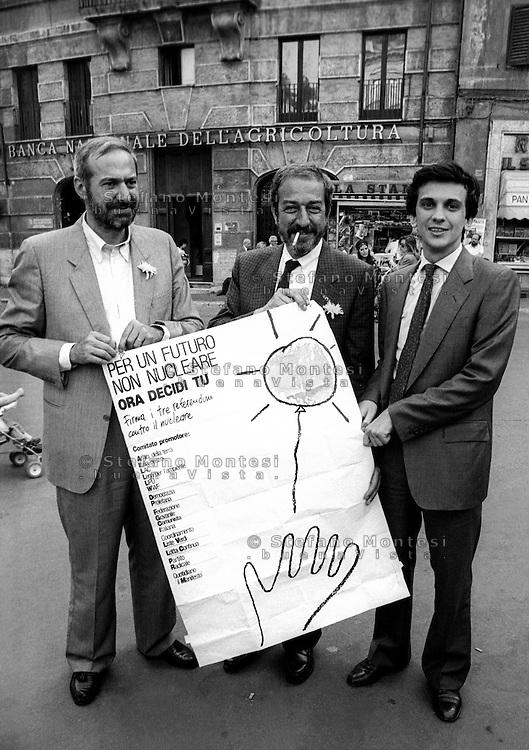 Roma Novembre 1987.Manifestazione per il referendum abrogativo del   Nucleare.Mario Capanna,deputato di Democrazia Proletaria, Massimo Catalano, Giovanni Negri, Segretario del Partito Radicale