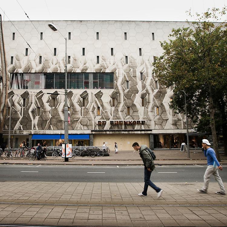 Nederland. Rotterdam, 15 oktober 2007. <br /> Bijenkorf Coolsingel<br /> Minister Ronald Plasterk (OCW) maakt maandag een lijst bekend van honderd nieuwe monumenten, die stammen uit de 'Wederopbouwperiode', van 1940 tot en met 1958.&nbsp;<br /> Foto Martijn Beekman <br /> NIET VOOR TROUW, AD, TELEGRAAF, NRC EN HET PAROOL
