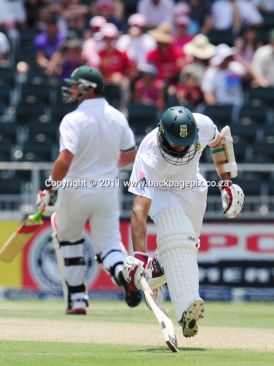 Hashim Amla of South Africa between the wickets <br /> &copy; Barry Aldworth/Backpagepix