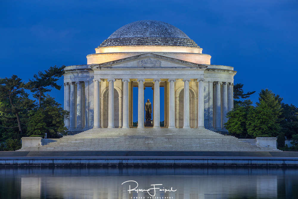 Living in the DC Metro area for nearly 20 years has its privileges.  I've put off shooting the DC area for years so it's about time to capture some of its best.  I started early - 4am to be exact.  I almost turned away thinking the sky was too black but just as I started packing up I noticed that blue hour had just begun.
