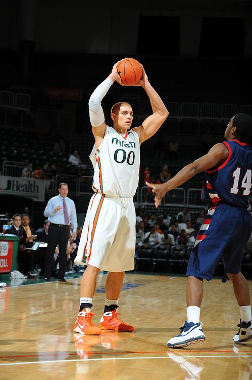2009 Miami Hurricanes Men's Basketball vs Robert Morris