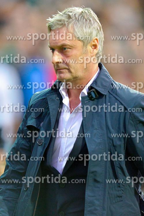 25.09.2010, Weser Stadion, Bremen, GER, 1.FBL, Werder Bremen vs Hamburger SV im Bild Armin Veh  ( HSV - Cheftrainer )    EXPA Pictures © 2010, PhotoCredit: EXPA/ nph/  Kokenge+++++ ATTENTION - OUT OF GER +++++ / SPORTIDA PHOTO AGENCY