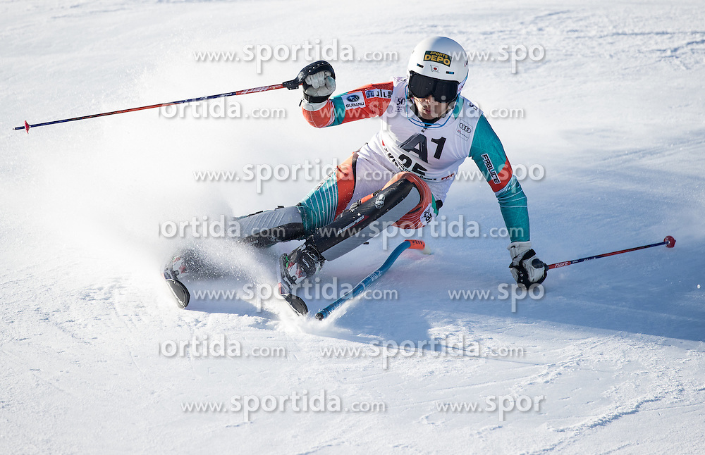 22.01.2017, Hahnenkamm, Kitzbühel, AUT, FIS Weltcup Ski Alpin, Kitzbuehel, Slalom, Herren, 1. Lauf, im Bild Naoki Yuasa (JPN) // Naoki Yuasa of Japan in action during his 1st run of men's Slalom of FIS ski alpine world cup at the Hahnenkamm in Kitzbühel, Austria on 2017/01/22. EXPA Pictures © 2017, PhotoCredit: EXPA/ Johann Groder
