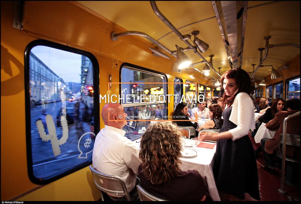 TORINO RISTOCOLOR IL TRAM DEL GUSTO..un tram vissuto non più come semplice mezzo di trasporto, ma come un piacevole e curioso salotto-ristorante, dal quale ammirare Torino comodamente seduti, godendo delle bellezze della città e gustando le innumerevoli proposte enogastronomiche di volta in volta suggerite.