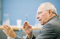 Das Interview mit Wolfgang Schäuble und den Handelsblatt Redakteuren Sven Afhüppe (Chefredakteur), Jan Hildebrand und XYZ fand am Freitag, 23. Juni 2017 in den Fraktionsräumen der CDU/SCU im deutschen Bundestag statt.