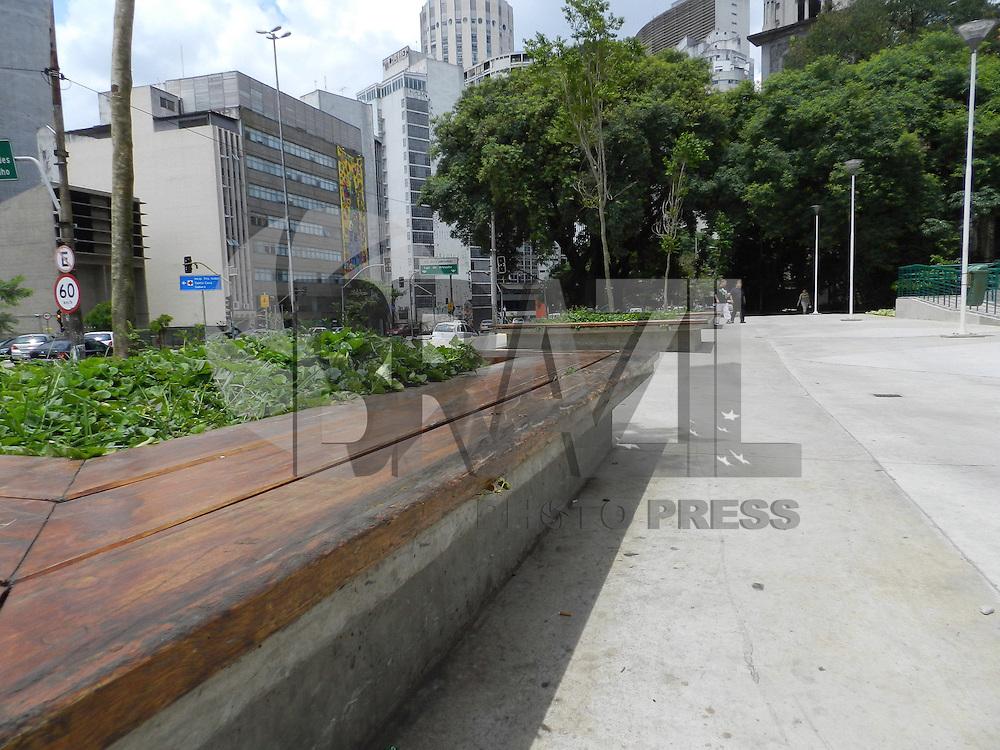 SÃO PAULO - SP -  08 DE JANEIRO 2013. PRAÇA ROOSEVELT - Impasse entre GCM e skatistas deverá ter reunião para definição de lugar para a pratica do esporte. FOTO: MAURICIO CAMARGO / BRAZIL PHOTO PRESS.
