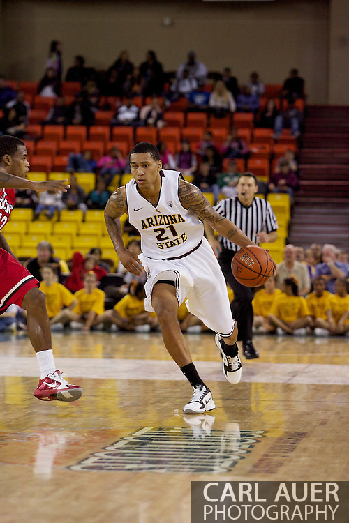 November 27th, 2010:  Anchorage, Alaska - Arizona State's Keala King (21) brings the ball up court in the Sun Devil's 58-67 loss to St. Johns in the championship game of the Great Alaska Shootout.