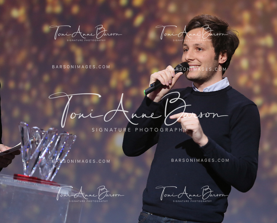 """PARIS, FRANCE - FEBRUARY 10:  Vianney receives award during the """"32nd Victoires de la Musique 2017"""" at Le Zenith on February 10, 2017 in Paris, France.  (Photo by Tony Barson/FilmMagic)"""