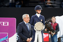GRAVES Laura (USA), DE VOS Ingmar (Präsident FEI)<br /> Paris - FEI World Cup Finals 2018<br /> FEI World Cup Dressage Freestyle/Kür<br /> www.sportfotos-lafrentz.de/Stefan Lafrentz<br /> 14. April 2018