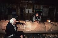 Canada. Queen Charlotte island. Skidegate village.  Gudjaw , Haida indian artist working on a totem with Bill Reid    Canada   /  Atelier à Skidegate. Bill Reid et Gudjaw, artiste haida, autour du mât en voie de réalisation.  Skidegate  Canada
