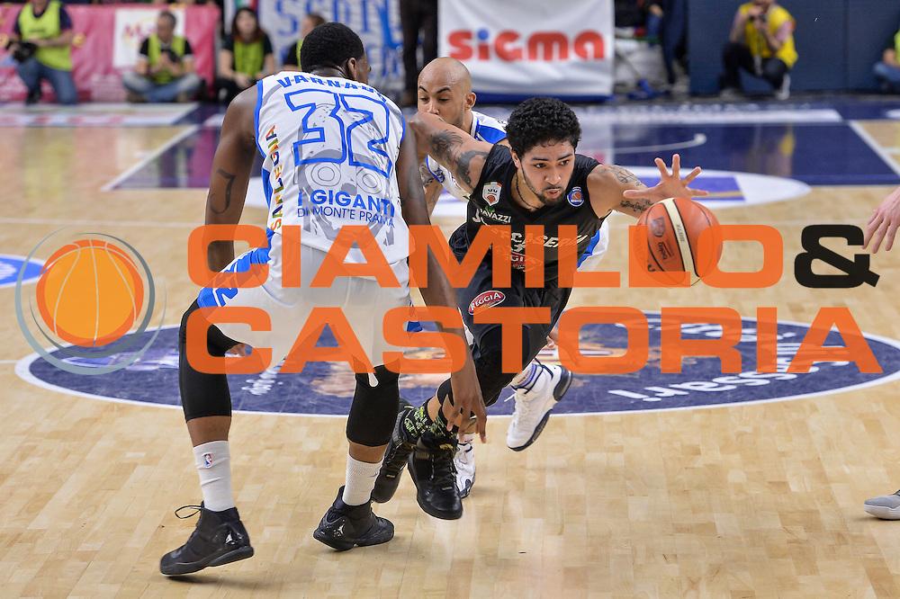 DESCRIZIONE : Beko Legabasket Serie A 2015- 2016 Dinamo Banco di Sardegna Sassari - Pasta Reggia Juve Caserta<br /> GIOCATORE : Peyton Siva<br /> CATEGORIA : Palleggio Penetrazione<br /> SQUADRA : Pasta Reggia Juve Caserta<br /> EVENTO : Beko Legabasket Serie A 2015-2016<br /> GARA : Dinamo Banco di Sardegna Sassari - Pasta Reggia Juve Caserta<br /> DATA : 03/04/2016<br /> SPORT : Pallacanestro <br /> AUTORE : Agenzia Ciamillo-Castoria/L.Canu