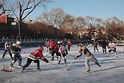 23 Décembre 2012 - Hockeyeurs sur le lac Xihai - Pékin