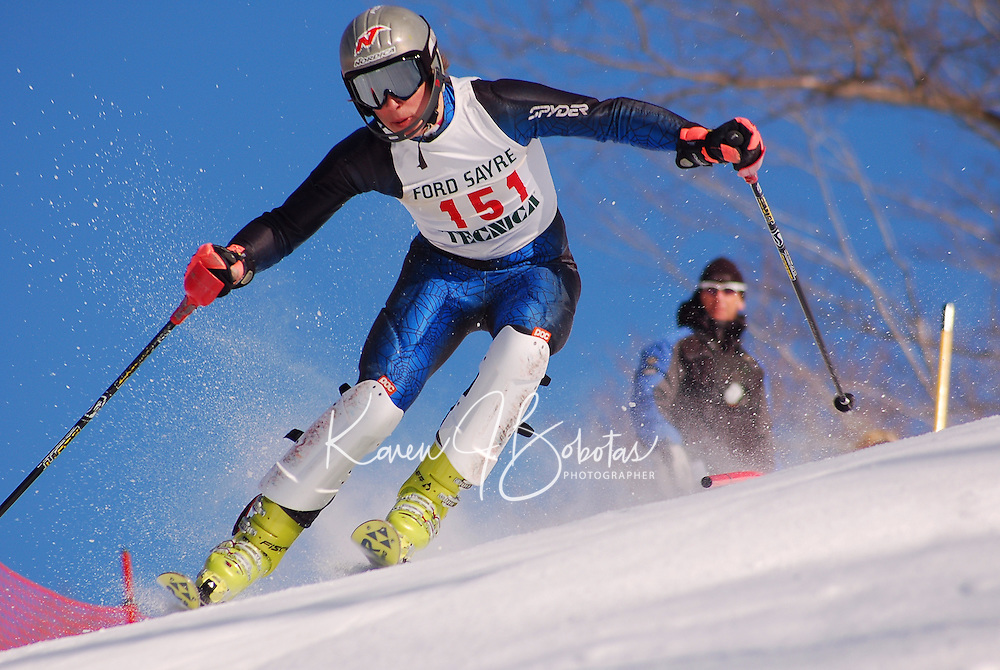 J2 racer competing in a slalom course at Dartmouth Skiway, New Hampshire on 20Jan08.