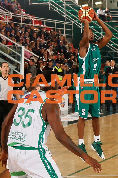DESCRIZIONE : Avellino Lega A 2011-12 Sidigas Avellino Benetton Treviso<br /> GIOCATORE : Twaun Moore<br /> SQUADRA : Benetton Treviso<br /> EVENTO : Campionato Lega A 2011-2012<br /> GARA : Sidigas Avellino Benetton Treviso<br /> DATA : 22/10/2011<br /> CATEGORIA : tiro<br /> SPORT : Pallacanestro<br /> AUTORE : Agenzia Ciamillo-Castoria/A.De Lise<br /> Galleria : Lega Basket A 2011-2012<br /> Fotonotizia : Avellino Lega A 2011-12 Sidigas Avellino Benetton Treviso<br /> Predefinita :