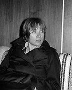 Shirley McLaine and Burgess Meredith Arrive.13/09/1975