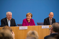 DEU, Deutschland, Germany, Berlin, 12.03.2018: V.l.n.r. Horst Seehofer (CSU), Bundeskanzlerin Dr. Angela Merkel (CDU), Olaf Scholz (SPD), in der Bundespressekonferenz zum Koalitionsvertrag von CDU, CSU und SPD.