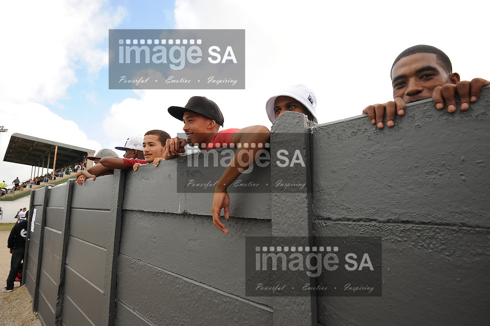 GEORGE, SOUTH AFRICA - Saturday 7 March 2015, Evergreens supporters during the third round match of the Cell C Community Cup between Pacaltsdorp Evergreens and Vaseline Wanderers at Pacaltsdorp Sports Grounds, George<br /> Photo by Roger Sedres/ImageSA/ SARU