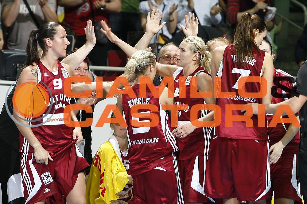DESCRIZIONE : Riga Latvia Lettonia Eurobasket Women 2009 Qualifying Round Repubblica Ceca Lettonia Czech Republic Latvia<br /> GIOCATORE : Anete Jekabsone Zogota Lieda Jansone<br /> SQUADRA : Lettonia Latvia Repubblica Ceca Czech Republic<br /> EVENTO : Eurobasket Women 2009 Campionati Europei Donne 2009 <br /> GARA : Repubblica Ceca Lettonia Czech Republic Latvia<br /> DATA : 11/06/2009 <br /> CATEGORIA : esultanza<br /> SPORT : Pallacanestro <br /> AUTORE : Agenzia Ciamillo-Castoria/E.Castoria<br /> Galleria : Eurobasket Women 2009 <br /> Fotonotizia : Riga Latvia Lettonia Eurobasket Women 2009 Qualifying Round Repubblica Ceca Lettonia Czech Republic Latvia<br /> Predefinita :
