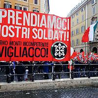 CasaPound  manifesta  per i marò