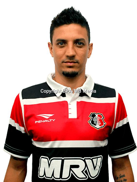 Brazilian Football League Serie B 2017 / <br /> ( Santa Cruz Futebol Clube ) - <br /> Leonardo Fabricio Soares da Costa - Leo Costa