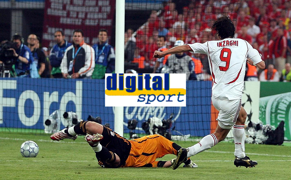 Photo: Paul Thomas.<br /> AC Milan v Liverpool. UEFA Champions League Final. 23/05/2007.<br /> <br /> Filippo Inzaghi (9) of Milano beats keeper Pepe Reina.