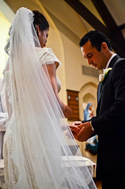 10/9/11 5:11:14 PM -- Zarines Negron and Abelardo Mendez III wedding Sunday, October 9, 2011. Photo©Mark Sobhani Photography