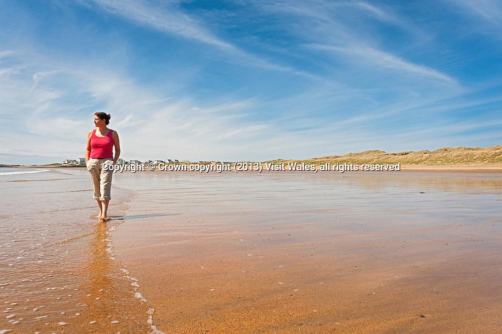 Traeth Llydan beach<br /> Rhosneigr<br /> Anglesey<br /> North<br /> Coast Path<br /> Coastal Scenery