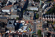 Nederland, Groningen, Groningen Stad, 08-09-2009; binnenstad met marktkramen op de Grote Markt, links het Stadhuis en rechts de Martinitoren.city centre with market stalls next to the City Hall, Martini tower .luchtfoto (toeslag); aerial photo (additional fee required); .foto/photo  Siebe Swart