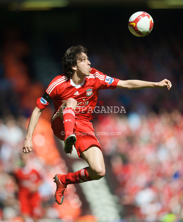 LIVERPOOL, ENGLAND - Saturday, April 11, 2009: Liverpool's Yossi Benayoun in action against Blackburn Rovers during the Premiership match at Anfield. (Photo by: David Rawcliffe/Propaganda)