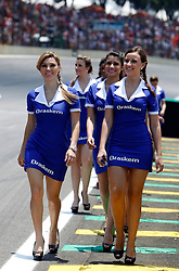 Motorsports / Formula 1: World Championship 2010, GP of Brazil,  grid girls