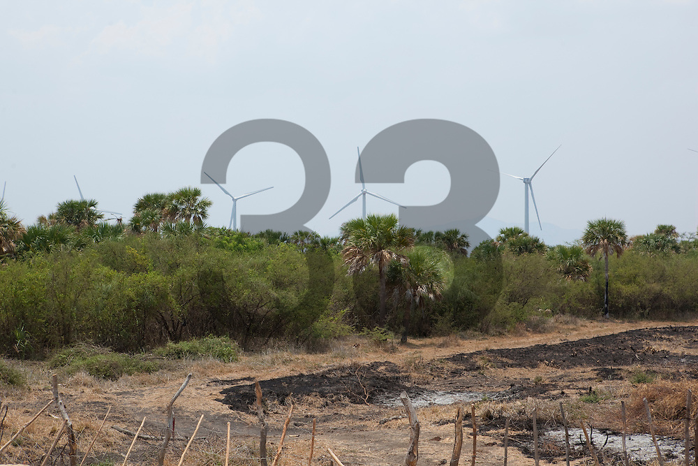 Proyecto Fuerza Eolica de Peñoles. El Espinal, Oaxaca, Mexico