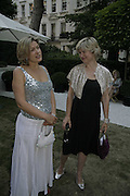 Penny smith and Issy van Randwyck,  Ruinart party at The Hempel, Hempel Gardnes.  Craven Hill Gardens. 18 July 2006. <br />ONE TIME USE ONLY - DO NOT ARCHIVE  © Copyright Photograph by Dafydd Jones 66 Stockwell Park Rd. London SW9 0DA Tel 020 7733 0108 www.dafjones.com
