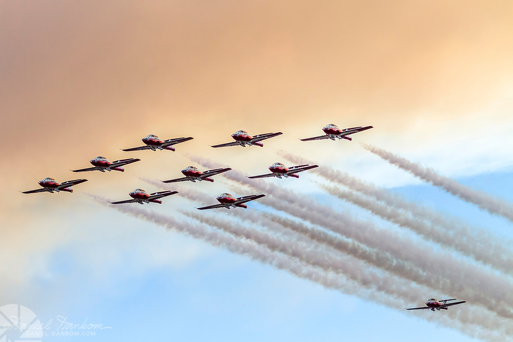 Canadian Snowbirds, approach to MRY in formation, for a fuel stop on the way to Fleet Week, San Francisco