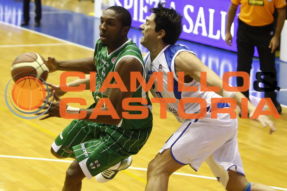 DESCRIZIONE : Napoli Lega A 2009-10 Martos Napoli Air Avellino<br /> GIOCATORE : Nelson DeMarcus Davide Bonora<br /> SQUADRA : Air Avellino Martos Napoli<br /> EVENTO : Campionato Lega A 2009-2010 <br /> GARA : Martos Napoli Air Avellino<br /> DATA : 18/10/2009<br /> CATEGORIA : palleggio difesa<br /> SPORT : Pallacanestro <br /> AUTORE : Agenzia Ciamillo-Castoria/E.Castoria<br /> Galleria : Lega Basket A 2009-2010 <br /> Fotonotizia : Napoli Campionato Italiano Lega A 2009-2010 Martos Napoli Air Avellino<br /> Predefinita :